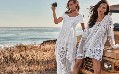 Look total white tendenza dell'estate 2018