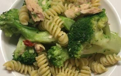 Pasta con broccoli e sgombro