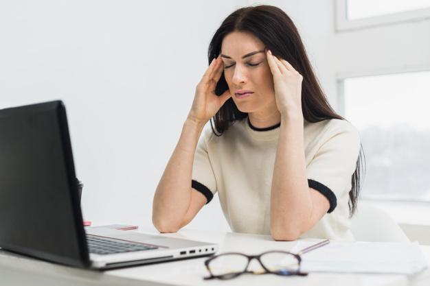 Lenti da vista contro lo stress visivo digitale