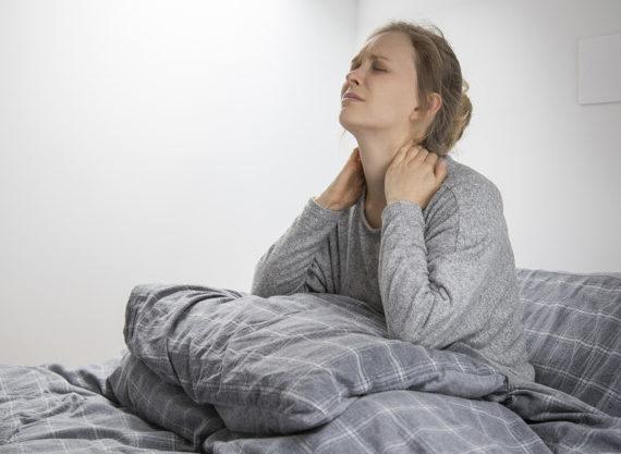 Mal di testa da cervicale: cosa può fare la fisioterapia